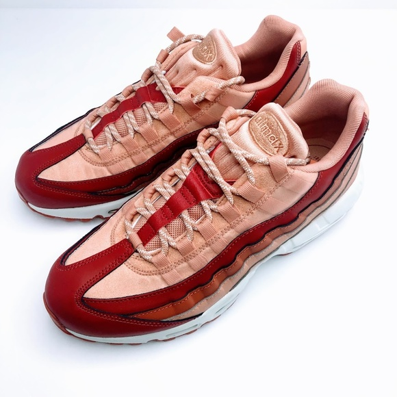 timeless design cfa08 cab1e Nike Women's Air Max 95 Team Crimson Dusty Peach